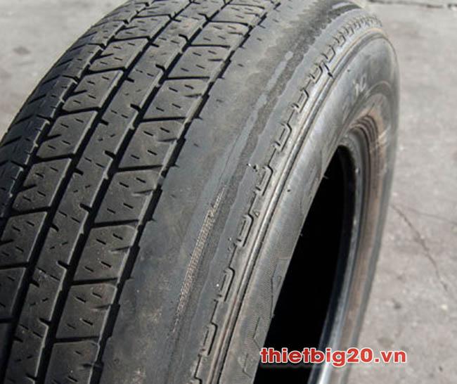 Lốp bị mòn